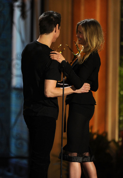 "Actor Jim Carrey (L) accepts the Funniest M.F. award from actress Cameron Diaz onstage during Spike TV's 5th annual 2011 ""Guys Choice"" Awards at Sony Pictures Studios on June 4, 2011 in Culver City, California."