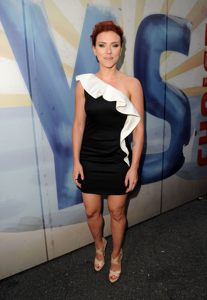 "Actress Scarlett Johansson arrives at Spike TV's 5th annual 2011 ""Guys Choice"" Awards at Sony Pictures Studios on June 4, 2011 in Culver City, California."