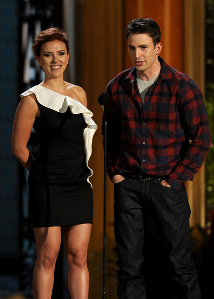 "Actress Scarlett Johansson (L) and actor Chris Evans present the Troops Choice award onstage during Spike TV's 5th annual 2011 ""Guys Choice"" Awards at Sony Pictures Studios on June 4, 2011 in Culver City, California."