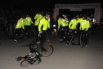 David Walliams Davina McCall Sport Relief Celebrity Cycle Ride Reaches Lands End - Photocall