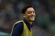Mesut Ozil of Arsenal FC warms up during the UEFA Europa League Group E match between Sporting CP and Arsenal at Estadio Jose Alvalade on October 25, 2018 in Lisbon, Portugal.