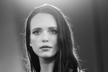 """Stacy Martin """"Amants"""" Red Carpet - The 77th Venice Film Festival"""
