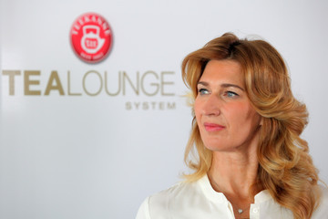 Steffi Graf Steffi Graf Presents a New Product