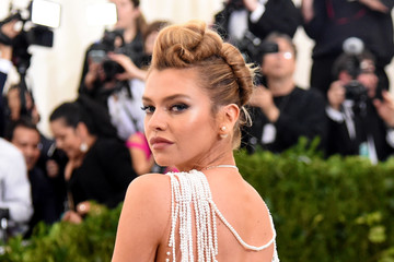 "Stella Maxwell ""Rei Kawakubo/Comme des Garcons: Art of the In-Between"" Costume Institute Gala - Arrivals"
