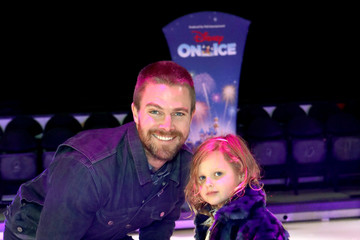 Stephen Amell Disney On Ice Presents 'Dare To Dream' Celebrity Skating Party