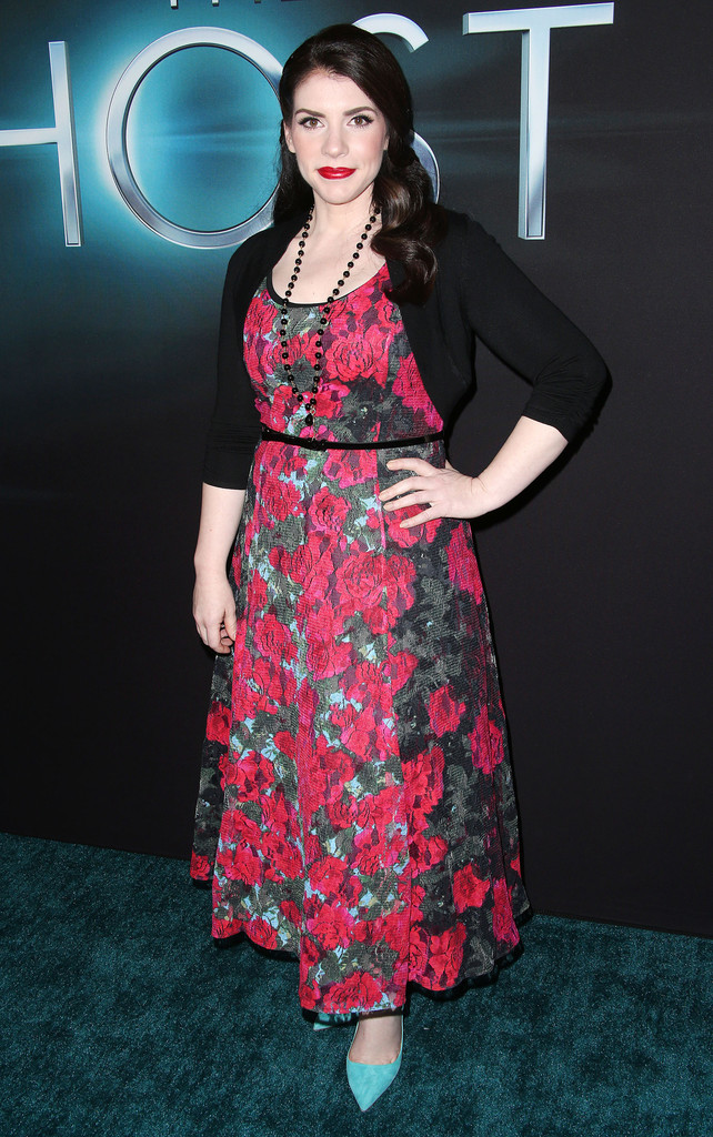"Stephenie Meyer - Premiere Of Open Road Films ""The Host"" - Arrivals"