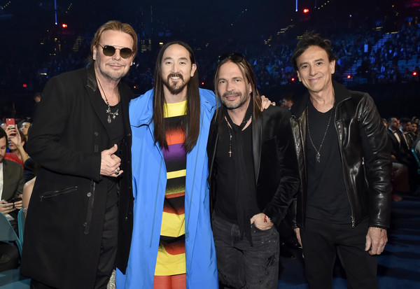The 19th Annual Latin GRAMMY Awards  - Roaming Show