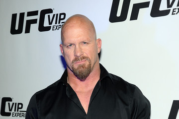 Steve Austin Celebrities Attend UFC 170 - Rousey v McMann