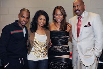 Tammy Franklin Steve Harvey And Kirk Franklin 2011 Comedy Gospel Tour - Backstage