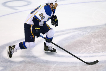 Steve Ott St Louis Blues v Colorado Avalanche