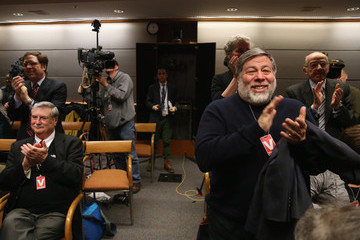 Steve Wozniak Federal Communications Commission Prepares to Vote