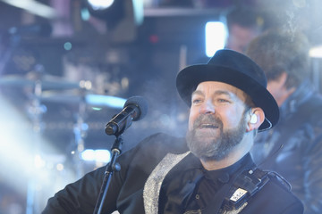 Sugarland Dick Clark's New Year's Rockin' Eve With Ryan Seacrest 2018