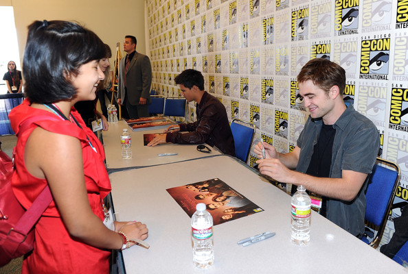 robert pattinson meet and greet 2011