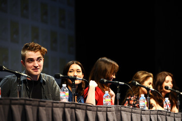 "Kristen Stewart Elizabeth Reaser Summit Entertainment Presents ""The Twilight Saga: Breaking Dawn - Part 1"" Comic Con Panel"