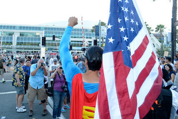 Superman Comic-Con International 2016 - General Atmosphere and Cosplay