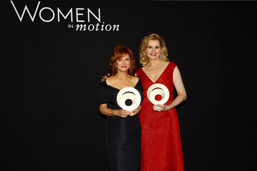 Susan Sarandon Kering and Cannes Festival Official Dinner : Inside Dinner - at the 69th Cannes Film Festival