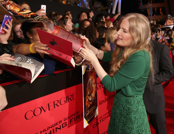 suzanne collins gregorsuzanne collins the hunger games, suzanne collins gregor the overlander, suzanne collins mockingjay, suzanne collins twitter, suzanne collins catching fire, suzanne collins wikipedia, suzanne collins contact, suzanne collins the hunger games pdf, suzanne collins wiki, suzanne collins catching fire pdf, suzanne collins net worth, suzanne collins biografia, suzanne collins facebook, suzanne collins interesting facts, suzanne collins książki, suzanne collins alle bücher, suzanne collins favorite books, suzanne collins new book, suzanne collins gregor, suzanne collins style of writing