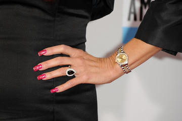 Suzanne DeLaurentiis The 40th American Music Awards - Arrivals