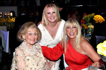 Suzanne Somers Seventh Biennial UNICEF Ball: Los Angeles - Inside
