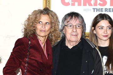 Suzanne Wyman 'Surviving Christmas With The Relatives' World Premiere - Red Carpet Arrivals