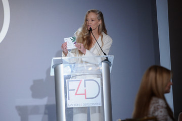 Suzy Amis Cameron Fashion 4 Development's 6th Annual Official First Ladies Luncheon