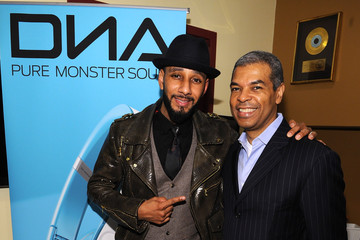 Swizz Beatz Paul Cothran VH1 Save The Music Foundation's Songwriters Music Series Remix Featuring Swizz Beatz & Friends, Presented By Monster DNA Headphones & William Hill Estate Winery
