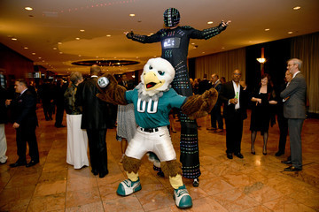Swoop 33th Annual Great Sports Legends Dinner To Benefit The Buoniconti Fund To Cure Paralysis - Arrivals