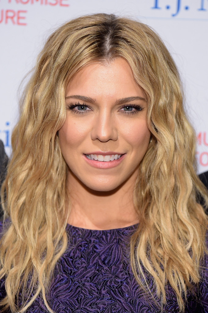 Kimberly Perry Photos Photos 39th Annual New York Honors