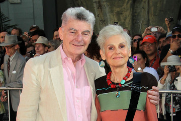 Paula Prentiss TCM Classic Film Festival Honors Peter O'Toole At A Hand And Footprints Ceremony At Grauman's Chinese Theatre
