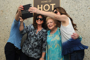 """TV Land Dedicates A Plaque To """"Hot In Cleveland"""" On Stage 19 At CBS Studio Center"""