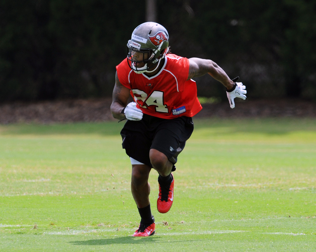 mark barron in tampa bay buccaneers minicamp zimbio