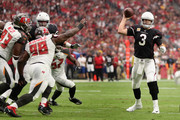Quarterback Carson Palmer #3 of the Arizona Cardinals thorws a pass during the first half of the NFL game against the Tampa Bay Buccaneers at the University of Phoenix Stadium on October 15, 2017 in Glendale, Arizona. The Cardinals defeated the  Buccaneers 38-33.