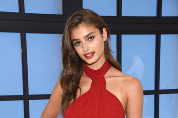 Taylor Hill Victoria's Secret Angels Josephine Skriver, Sara Sampaio and Taylor Hill Share Their Hottest Valentine's Day Gift Picks