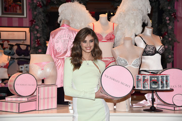Taylor Hill Victoria's Secret Angel Taylor Hill Reveals Looks From the Victoria's Secret Fashion Show Runway