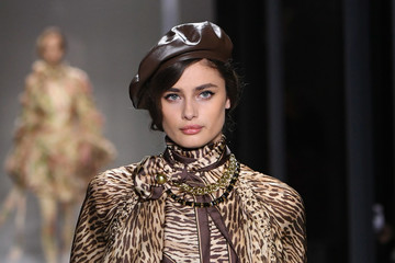 Taylor Hill Zimmermann - Runway - February 2019 - New York Fashion Week: The Shows