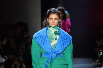Taylor Hill Prabal Gurung - Runway - February 2019 - New York Fashion Week: The Shows