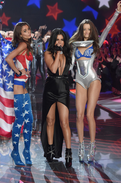 289d583e4b7 Taylor Hill Photos Photos - Victoria s Secret Fashion Show 2015 - Zimbio