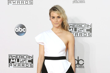 Taylor Schilling Arrivals at the American Music Awards — Part 2