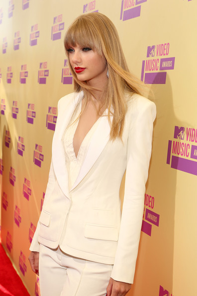 Taylor Swift - 2012 MTV Video Music Awards - Red Carpet