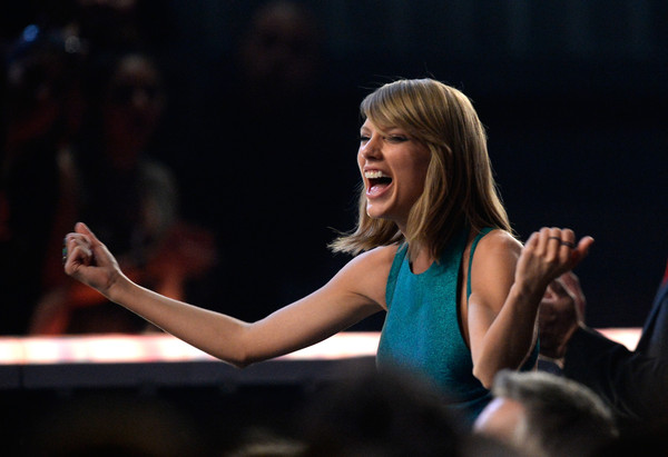57th GRAMMY Awards - Show [performance,event,talent show,performing arts,hand,audience,stage,competition,singing,taylor swift,grammy awards,staples center,los angeles,california,show,the 57th annual grammy awards]