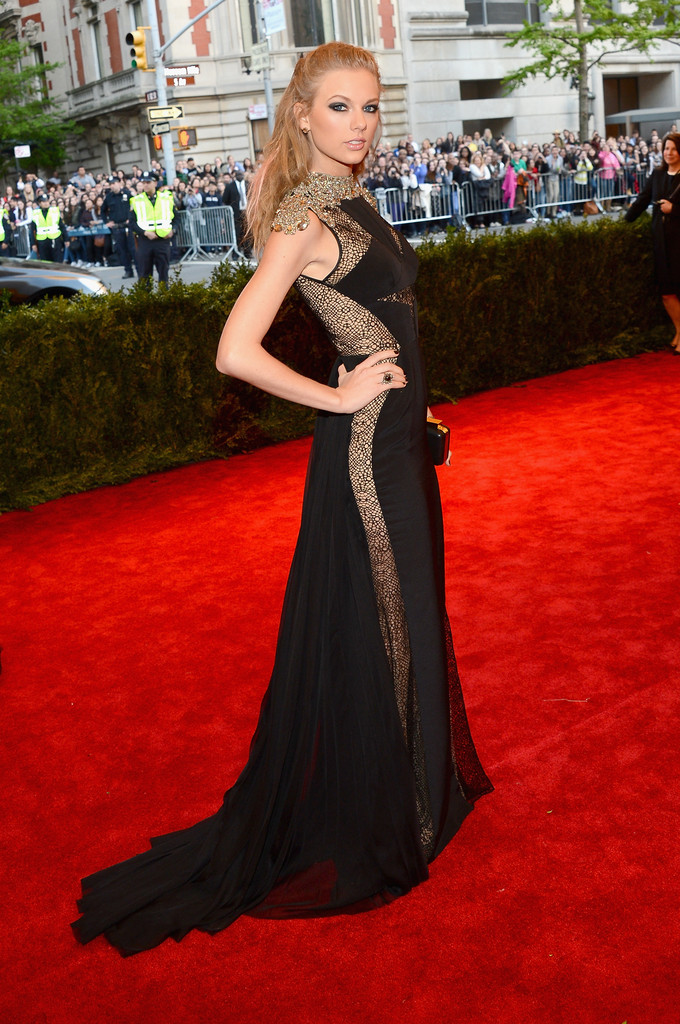 Taylor Swift - Red Carpet Arrivals at the Met Gala