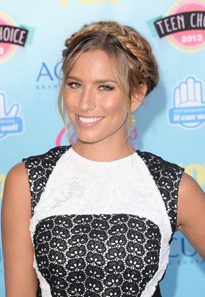 TV personality Renee Bargh attends the Teen Choice Awards 2013 at Gibson Amphitheatre on August 11, 2013 in Universal City, California.