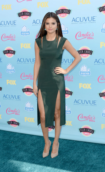 Actress-singer Selena Gomez attends the Teen Choice Awards 2013 at Gibson Amphitheatre on August 11, 2013 in Universal City, California.