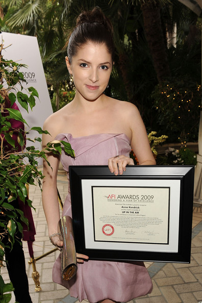 Actress anna kendrick poses with the afi awards 2009 honoring a year