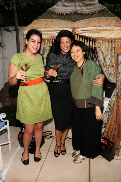 Shohreh Aghdashloo and her daughter