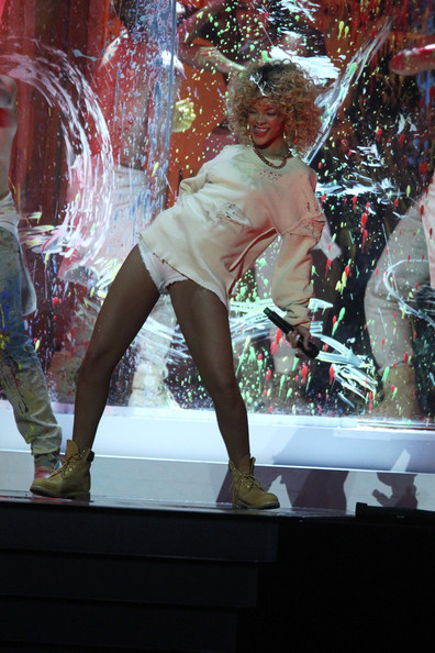 Rhianna in tha smock and panties look - Britawards 2012 - DEAFWISH