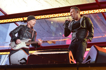 The Edge Times Square Goes (Red) with a Surprise World AIDS Day Concert