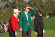 Fred Ridley (C), Chairman of Augusta National Golf Club, and honorary starters Gary Player (R) of South Africa and Jack Nicklaus (L) of the United States stand on the first tee during the opening tee ceremony to start the first round of the 2018 Masters Tournament at Augusta National Golf Club on April 5, 2018 in Augusta, Georgia.