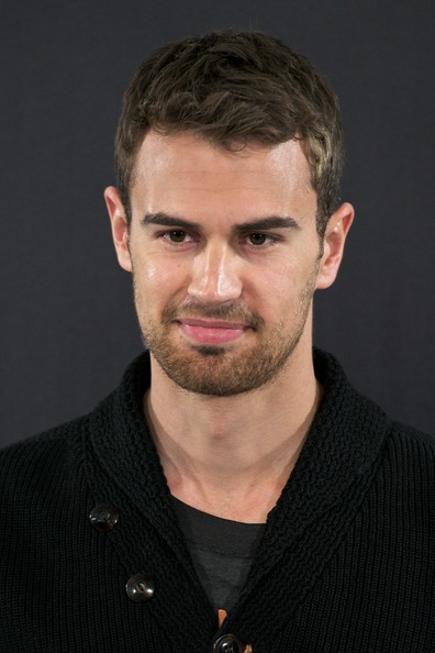 Theo James Pictures - ...