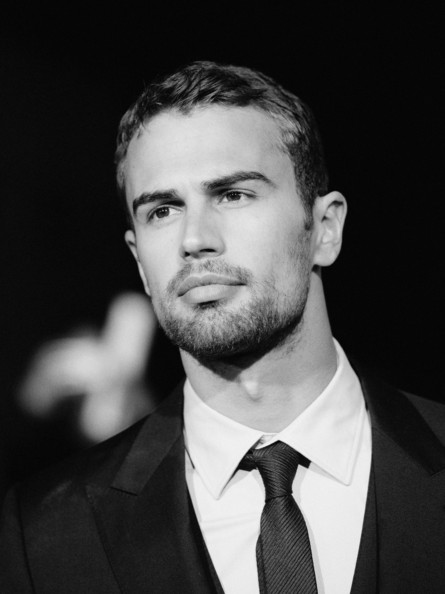 Theo James Pictures Divergent Premieres In La Part 2